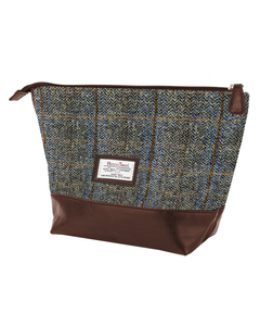 The British Belt Company Carloway Brown PU Washbag